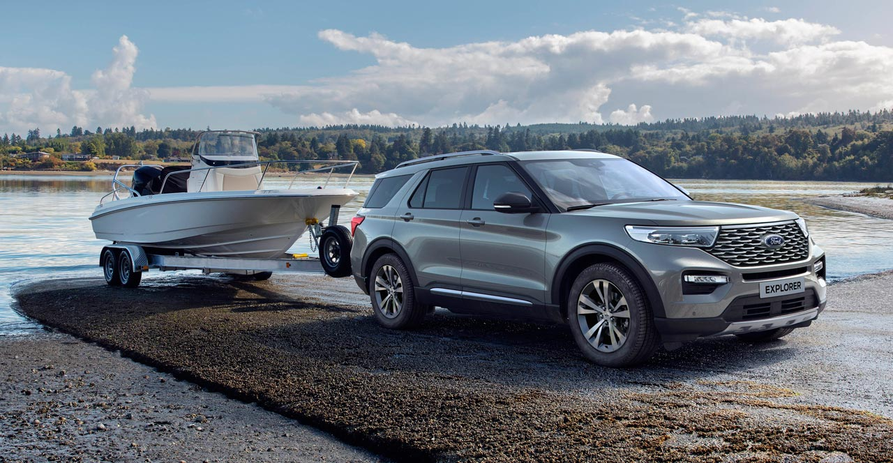 Ford Explorer Plug-In - Photo Ford